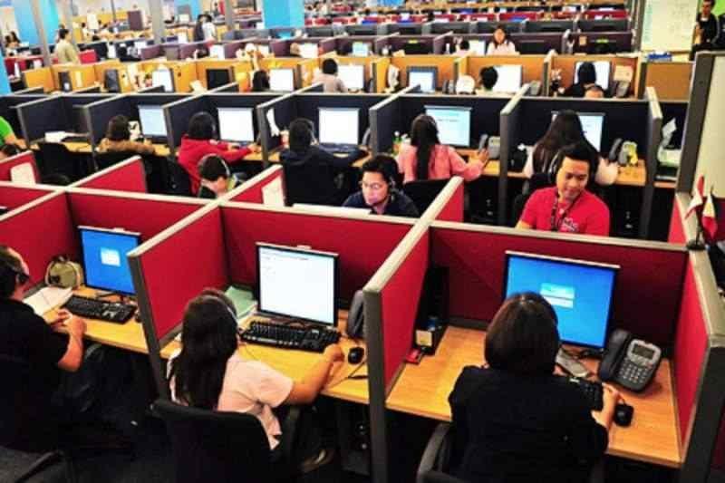 La Provincia abrió un programa para insertar a mil jóvenes en el sector de los contact center